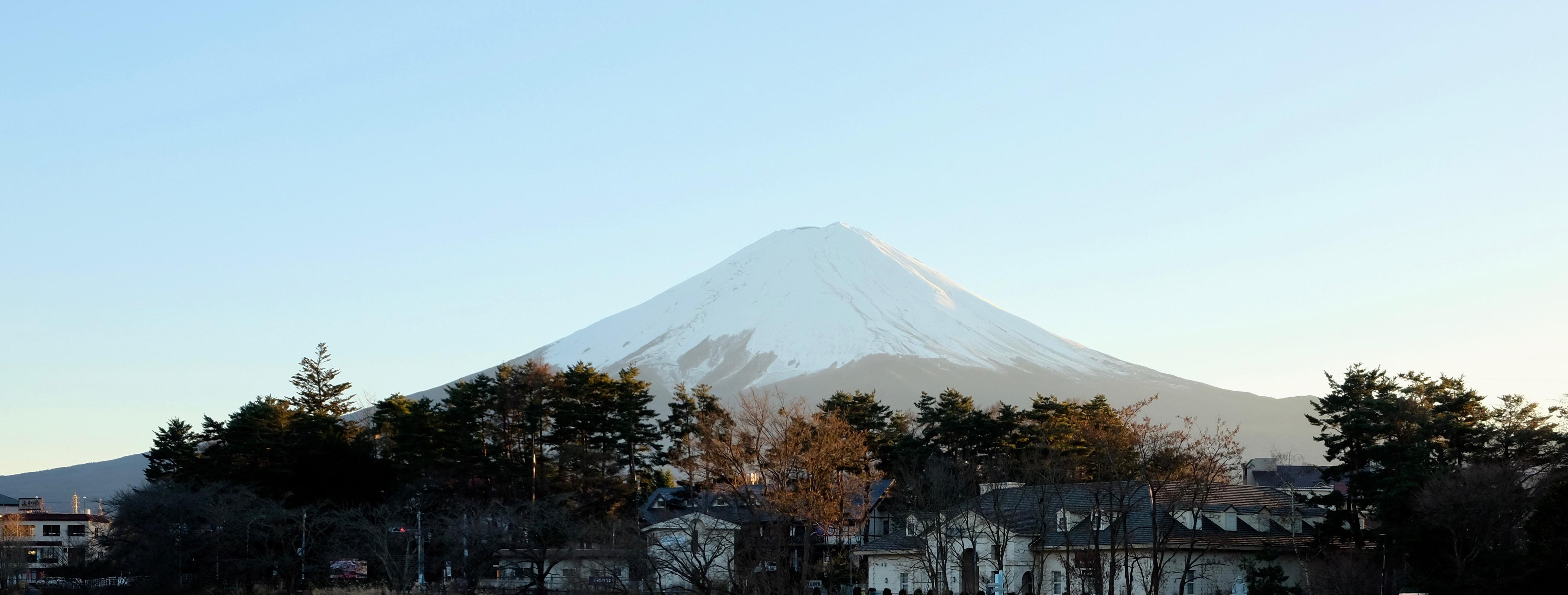 Правительство Японии обеспокоено возможными последствиями извержения Фудзи