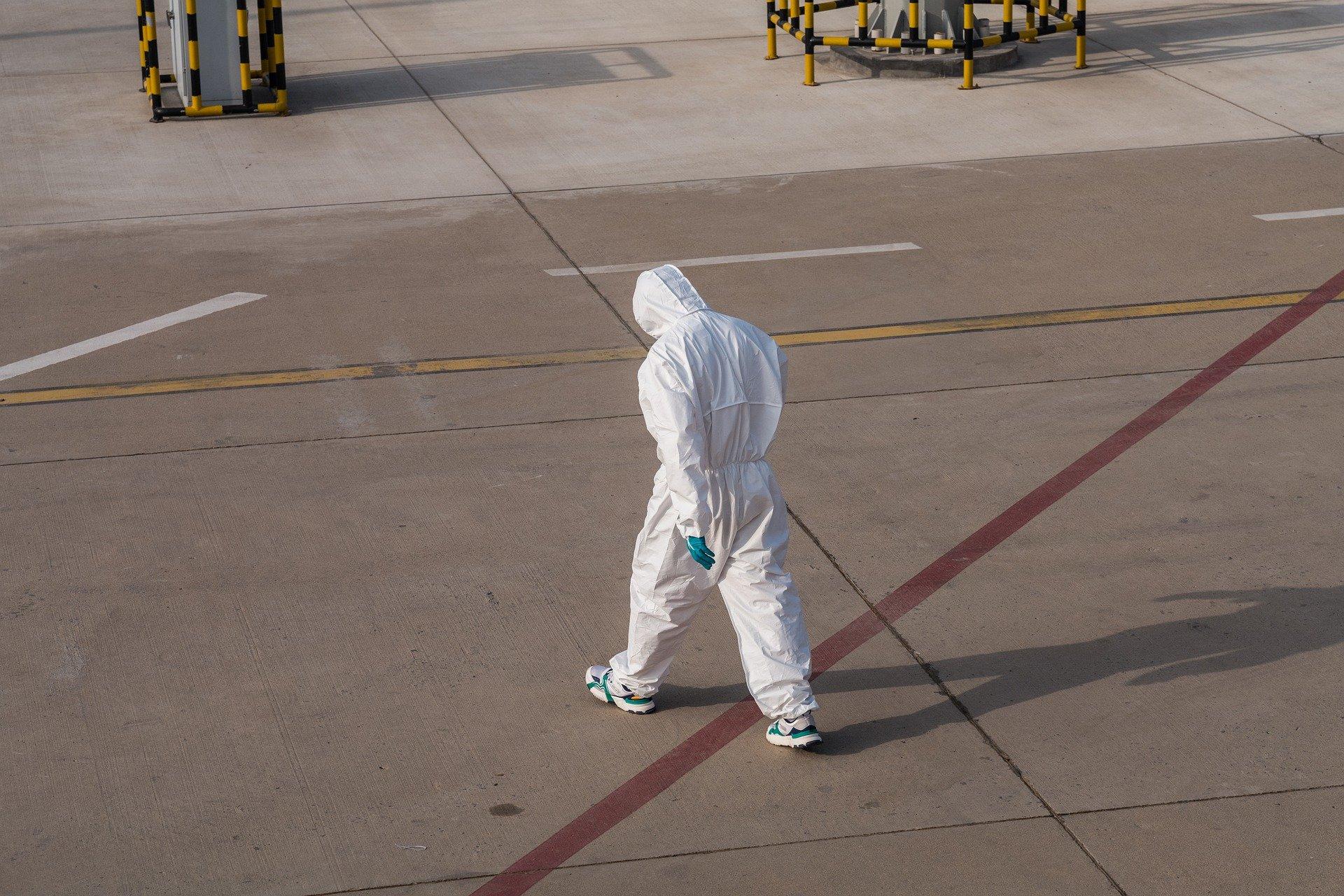 Правительство Японии обнаружило, что местные жители чаще нарушают карантин, чем иностранцы