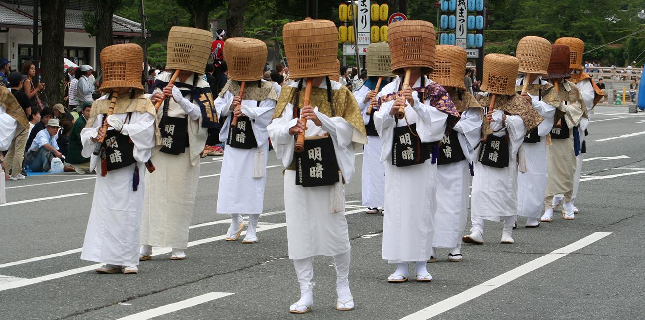 Шествие монахов Комусо