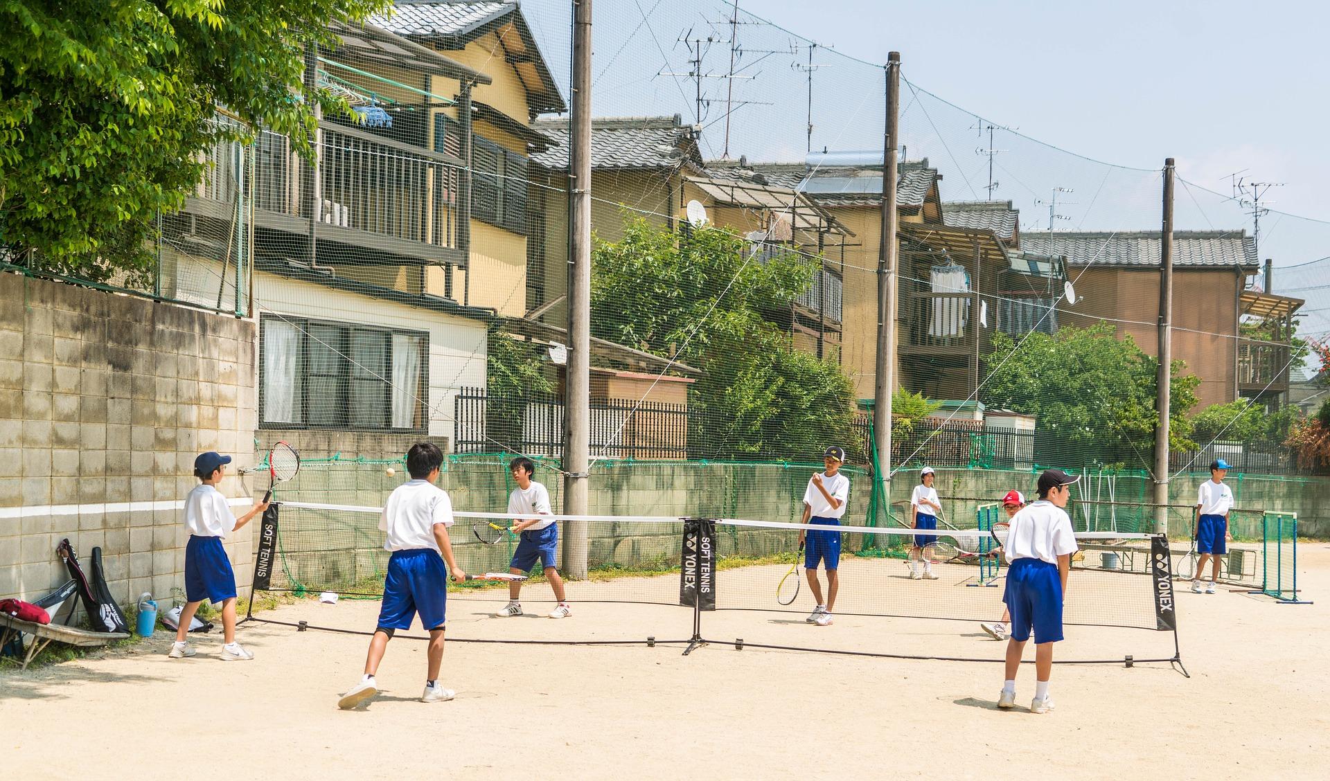 В Японии начата борьба с черными школьными правилами