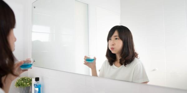 Японцы считают, что полоскание рта помогает защититься от гриппа и простуды