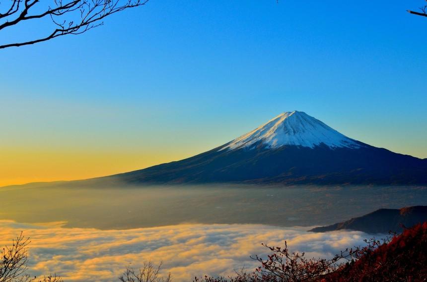 Из-за коронавируса гора Фудзи будет закрыта для туристов на все лето 2020 года