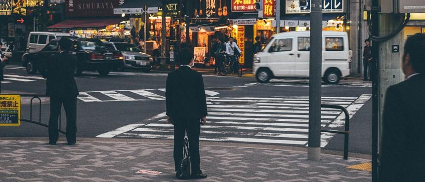 Разгорающийся политический скандал вокруг Синдзо Абэ