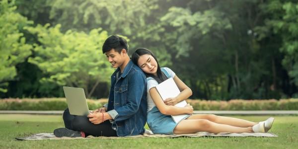 В Японских школах запрещены романтические отношения?