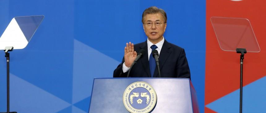 Южно корейский президент выразил критическое замечание в адрес Японии, которая заняла позицию по проблеме «женщин для утешения».