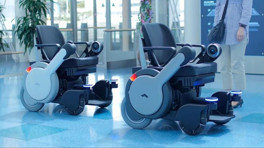 В Токийском аэропорту в качестве тестового проекта, появятся беспилотные кресла-коляски